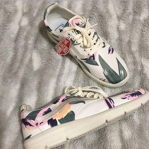 Vans   Hawaiian print Tennis Shoes